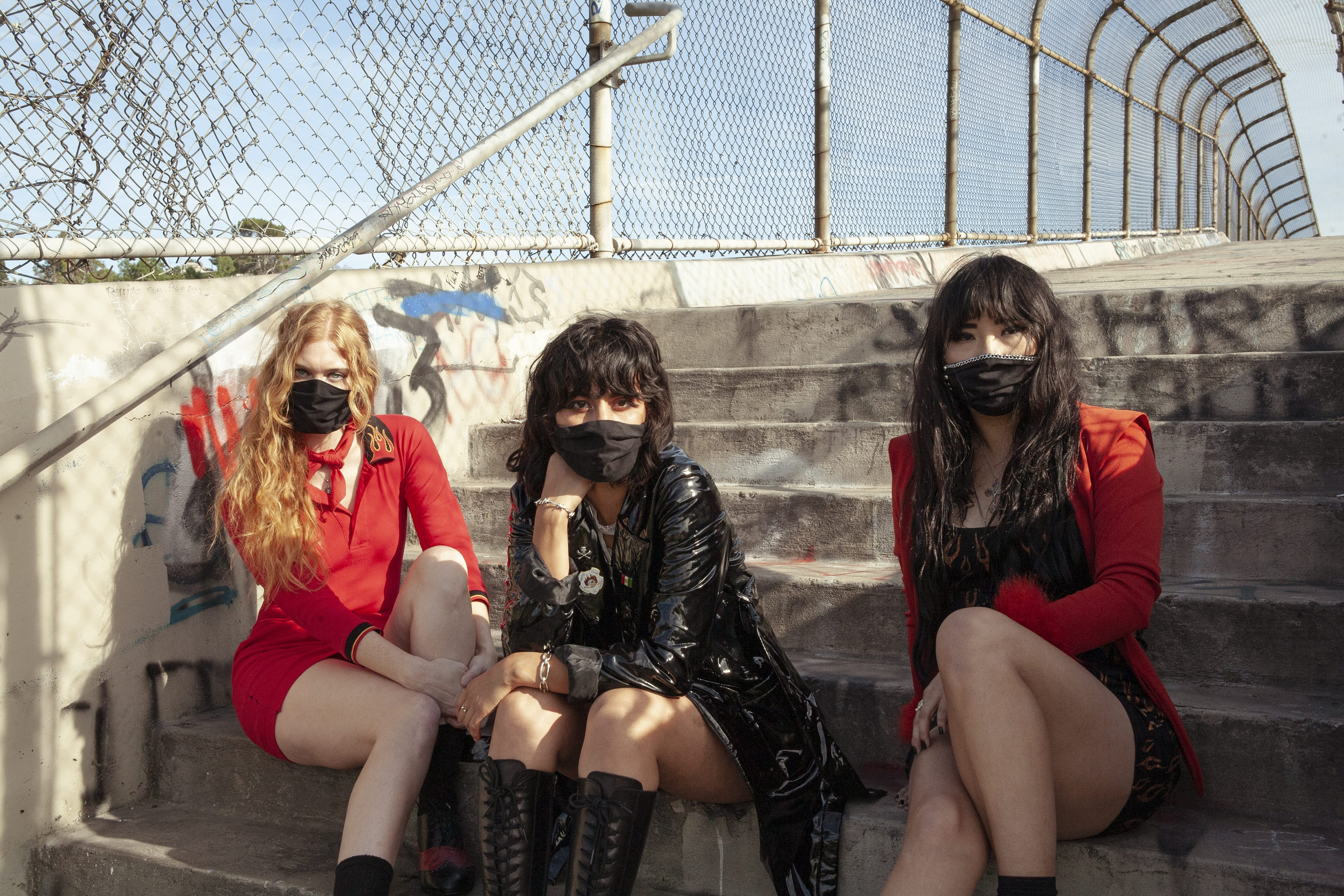 L.A. WITCH: Main Image