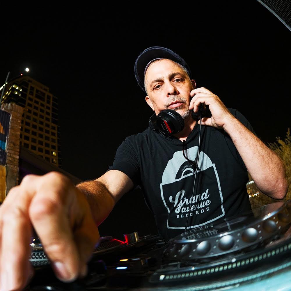 """""""GO BANG!"""" DJ Santos + Latrise ft. De La:"""