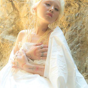 Alice Longyu Gao, Fraxiom-img
